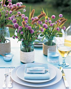 Gorgeous place setting at an outdoor dinner party!