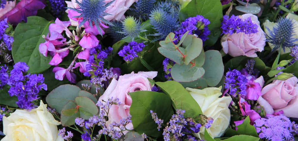 complete guide to purple wedding flowers purple flower - 1000×473