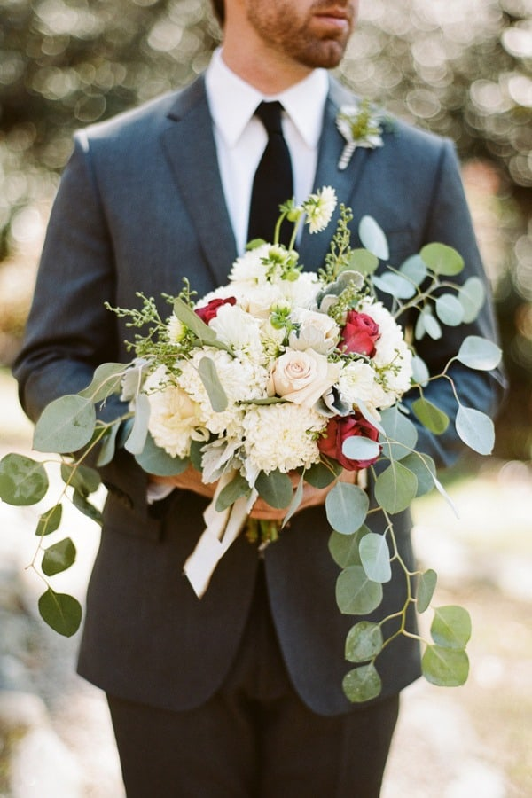 Flower Trends are on Your Side DIY Bride! Making Wedding Flowers Easy to DIY!