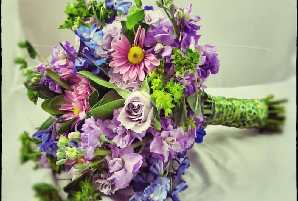 Romantic Rustic Wildflower Inspiration – DIY Wedding Flowers Made Easy