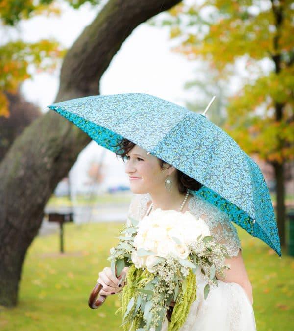 Real Wedding: DIY Wedding Flowers at a Vintage Wedding