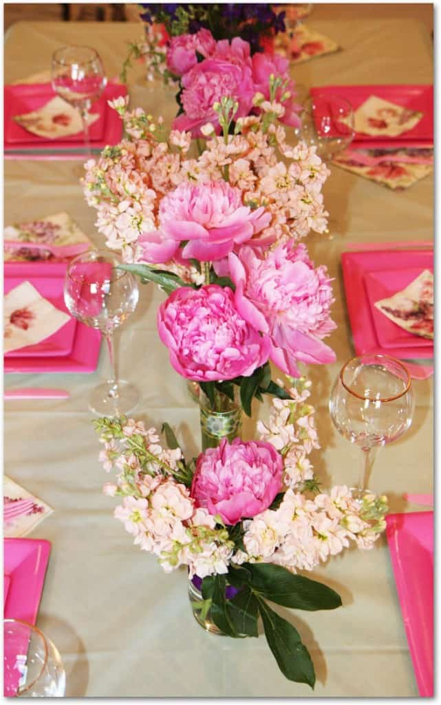 how to make peony centerpieces for a diy wedding shower budget wedding flower inspiration. Black Bedroom Furniture Sets. Home Design Ideas