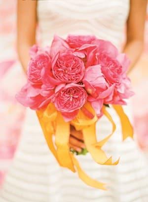 Coral Garden Rose diy wedding flower hints about using garden roses