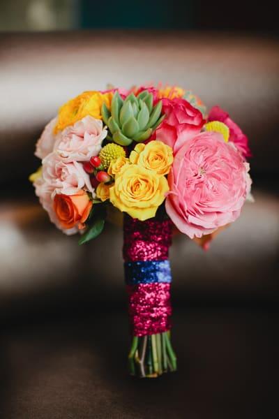 southern-wedding-glitter-bouquet-wrap