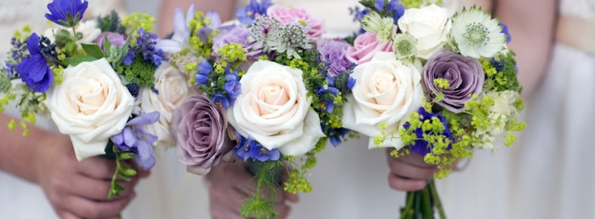 How many wedding flowers do I need?