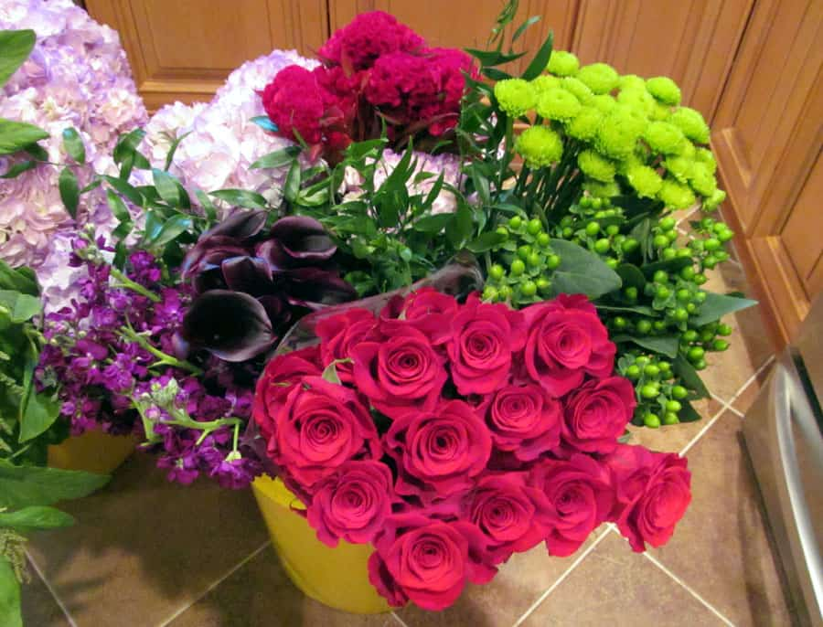 Make a tall hydrangea arrangement wholesale flowers online