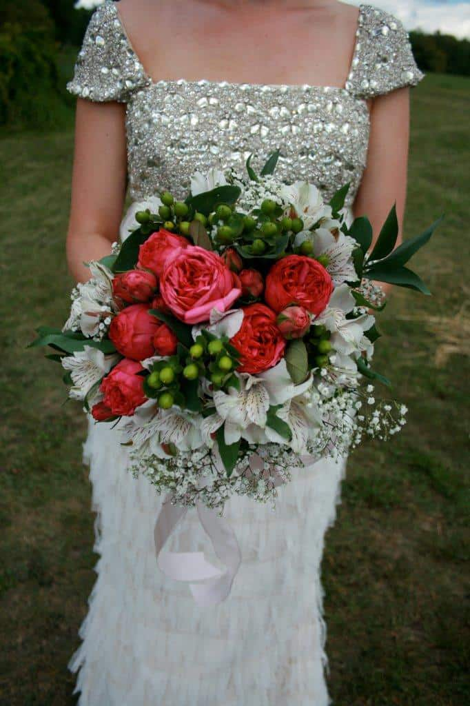 inexpensive wedding bouquet diy flowers from a real budget wedding inspiring bridal 5127