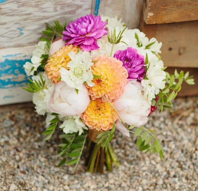 DIY Wedding Dahlia Bouquet