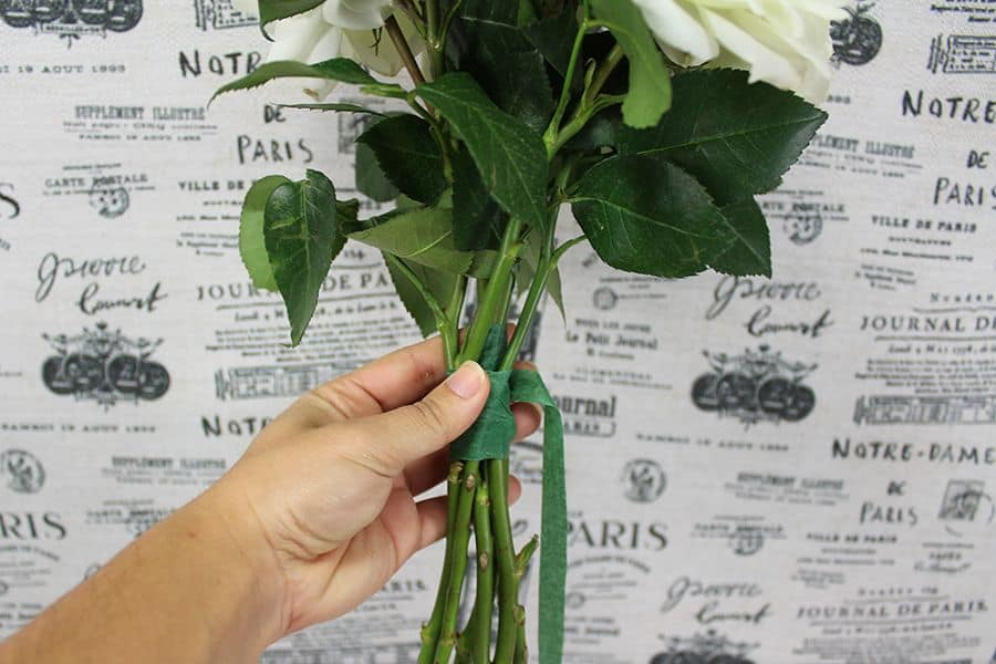 make-a-garden-rose-bouquet-stem-wrap3