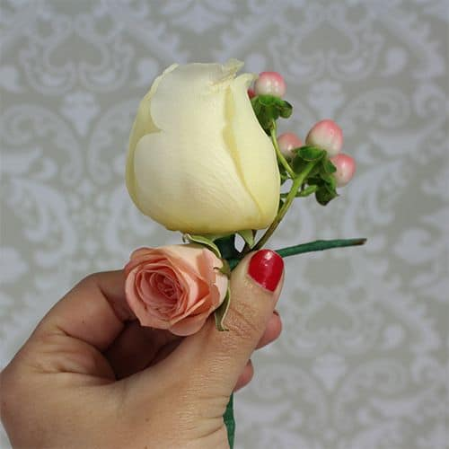 how to make a corsage 5