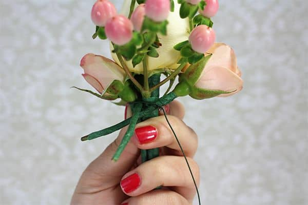 how to make a corsage 8
