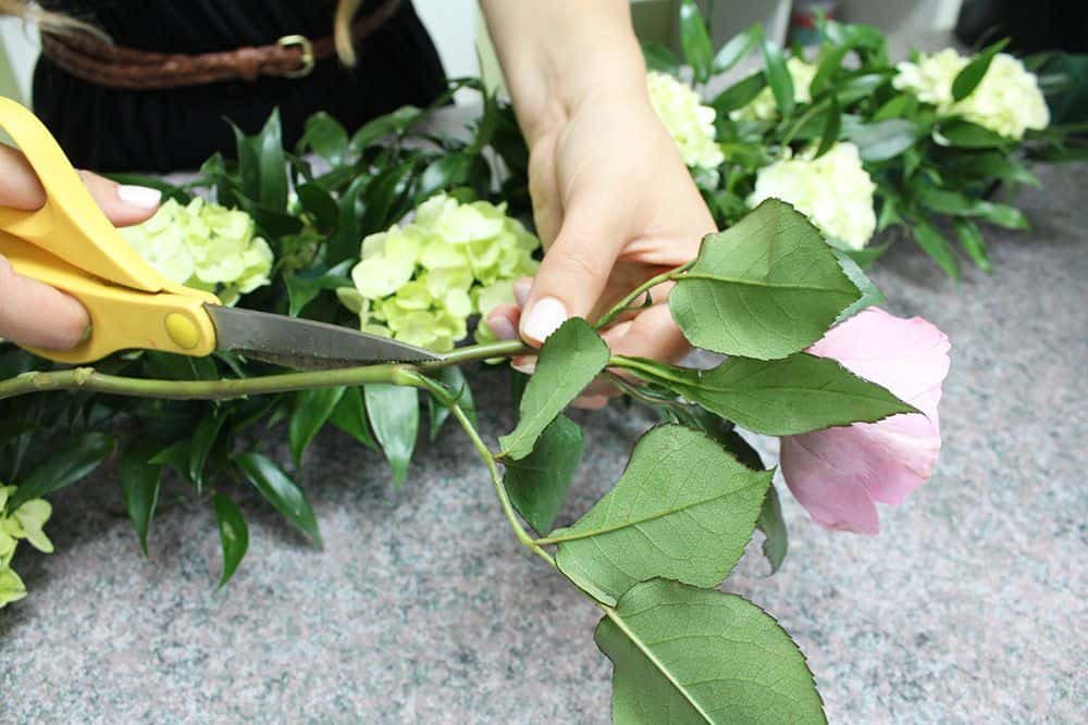 how to make a flower garland 8