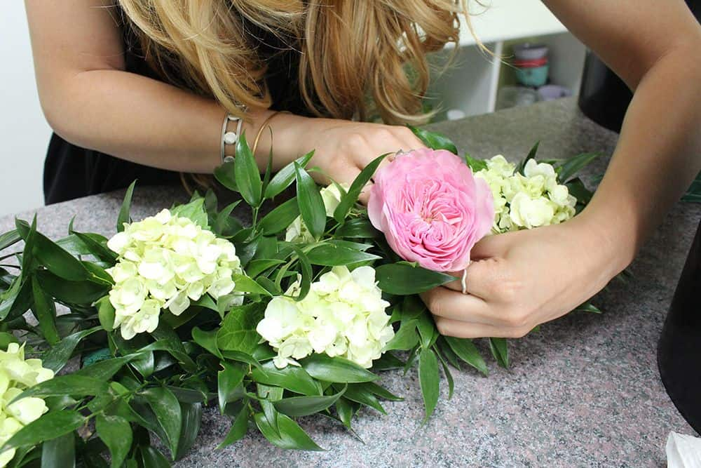 how to make a flower garland 9