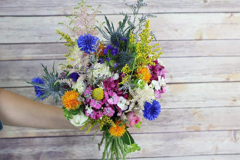 how to make a wildflower bouquet - third bunch 1000