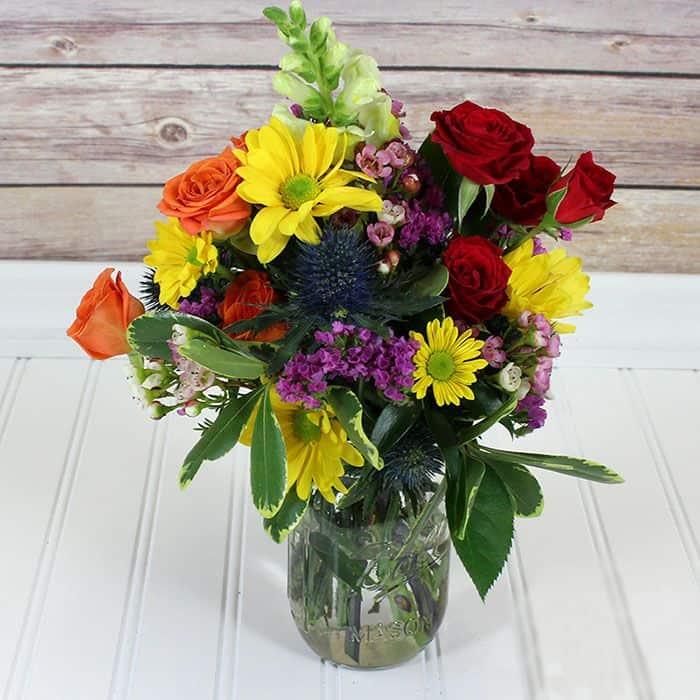 Wildflower-Mason-Jar-arrangement