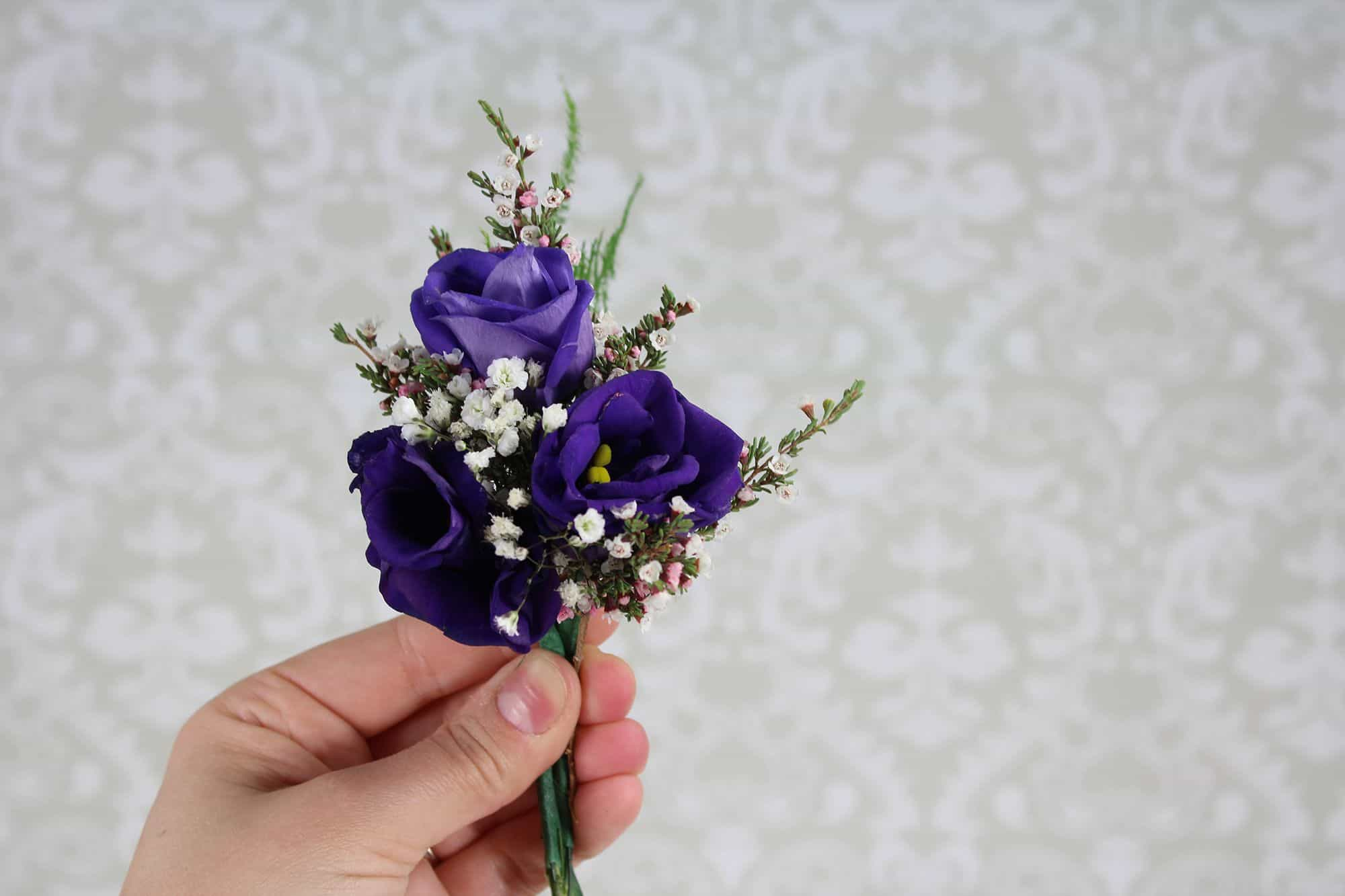 How to Make a Romantic Boutonniere