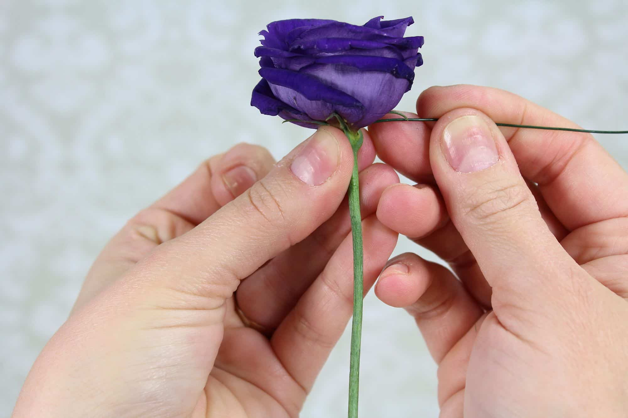 how-to-make-a-romantic-boutonniere-3
