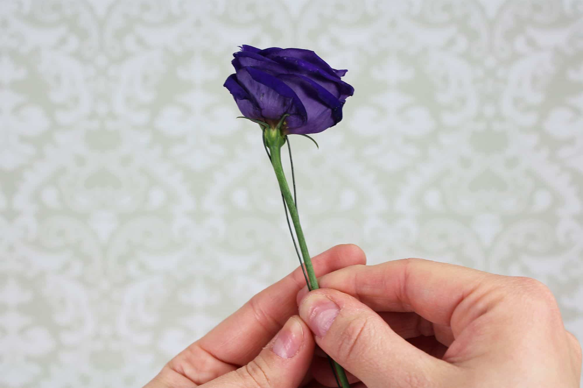 how-to-make-a-romantic-boutonniere-5