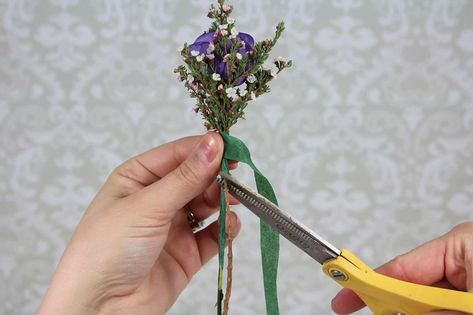 how-to-make-a-romantic-boutonniere-7