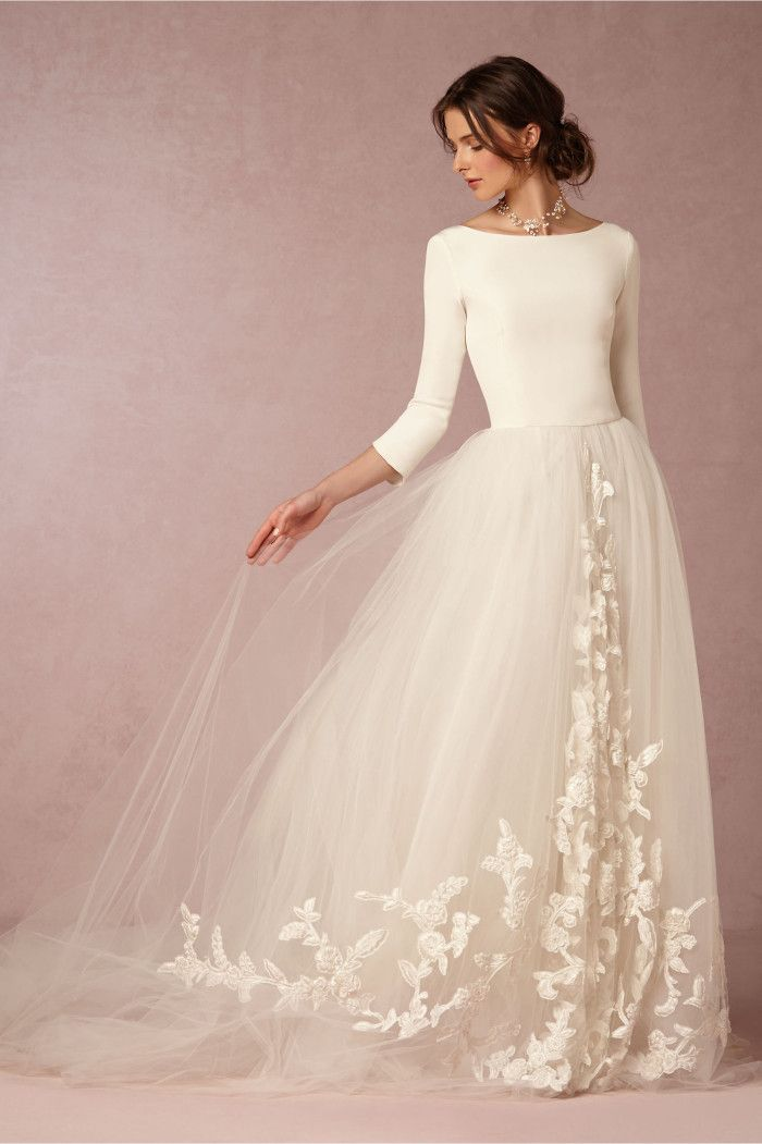 reasons to have a winter wedding dress