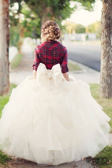 reasons to have a winter wedding flannel