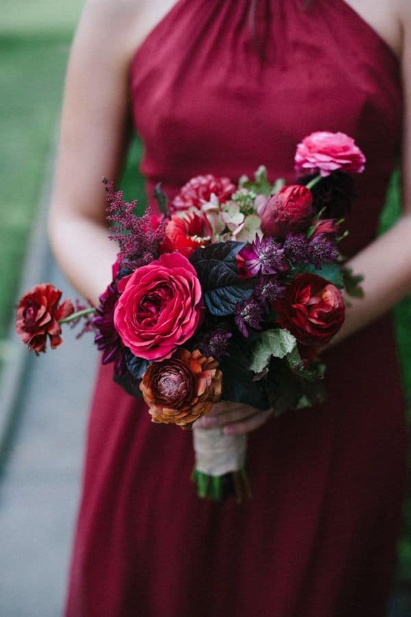 reasons to have a winter wedding flowers