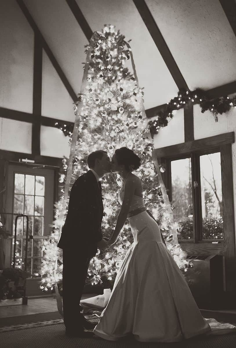 reasons to have a winter wedding tree