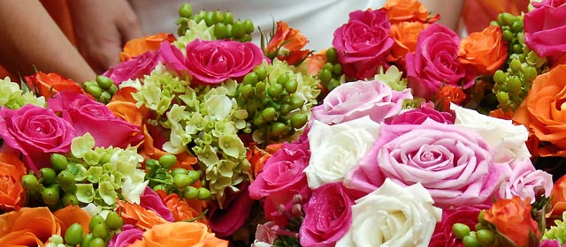 Wedding Budget Savings for DIY Bouquets and Centerpieces