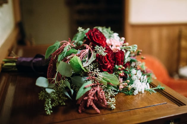 DIY Wedding Flowers from Blooms By The Box  - Emily and Ralph _ Blooms by the Box _ StephanieCourtPhotography_24