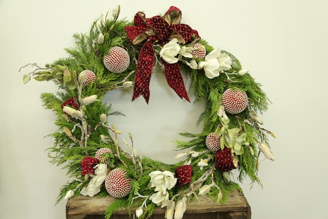 bloomsbythebox_eddie_zaratsian_3 Cedar Wreath Ornaments Holiday