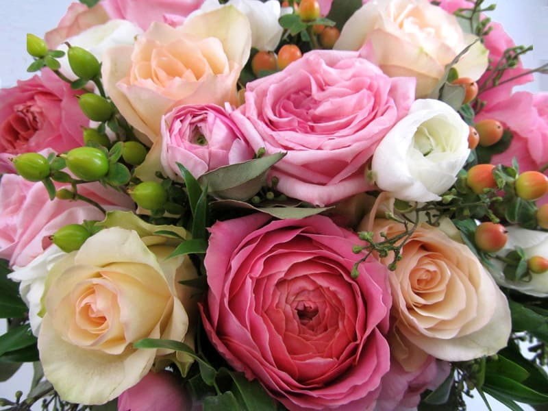 Wedding Flower Favorites: Garden Roses