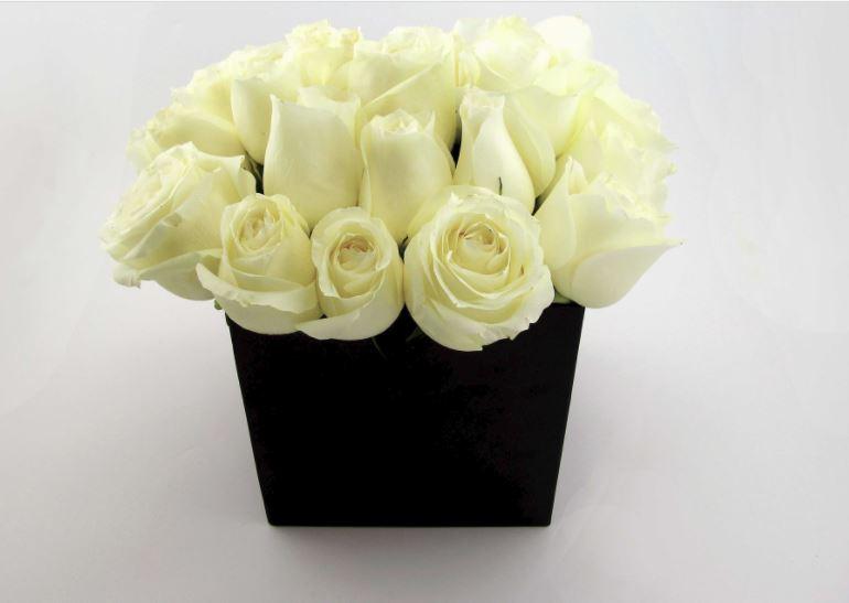 DIY Roses in a Hatbox
