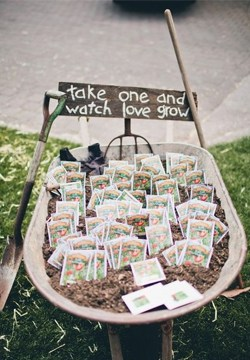 Creatively Cute Flower Wedding Favors
