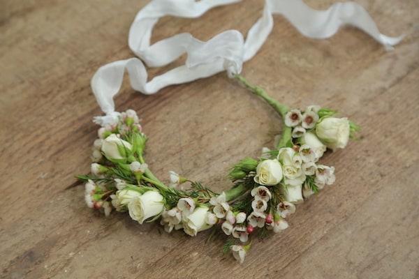 DIY Wedding Mag, Flower crown, Blooms by the box, Eddie Zaratsian, Mother's Day