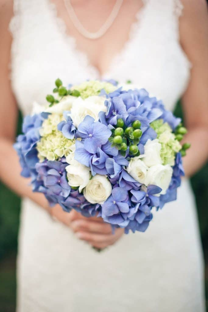 Maximize your DIY wedding budget by using flowers that go a long way!
