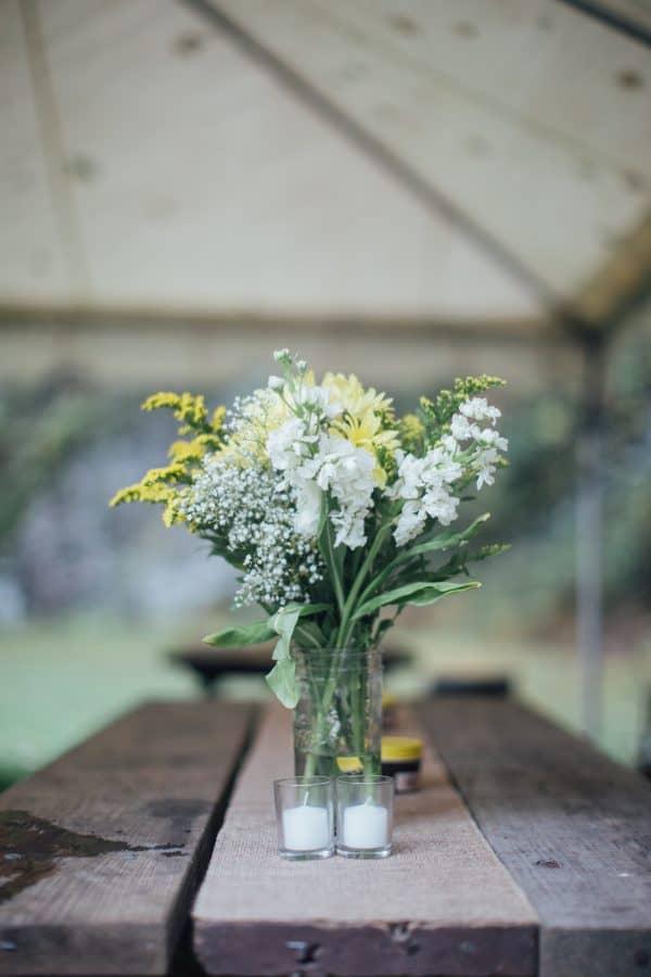 Rainy Day wedding, DIY Wedding, Outdoor Wedding, Autumn Wedding, DIY Bouquet, DIY Boutonniere
