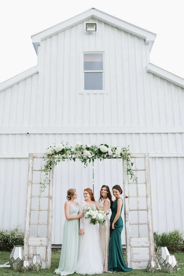 Wedding Inspiration, outdoor wedding, green wedding, white wedding, gold wedding, DIY Wedding, southern wedding, bridal party